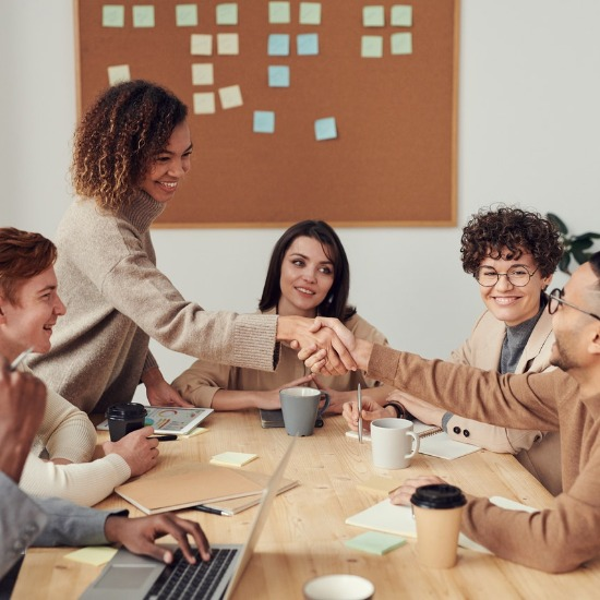 Culture at Work: How Cross-Cultural Communication Drives Workplace Success